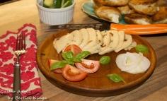 Bazsalikomos szárított paradicsomos sajt házilag