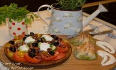 Spenótos, fetás  batyu egyfajta görög salátával
