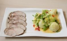 Gyömbéres carpaccio zsázsás újkrumplis salátával