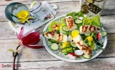 Halloumi sajtos saláta