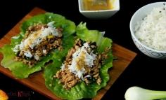 Fűszeres sertéshús salátaágyon