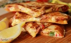 Quesadilla chorizoval és sajttal