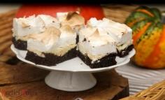 Kakaós habos túrós sütemény